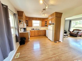 Photo 5: 715 3rd Avenue West in Meadow Lake: Residential for sale : MLS®# SK860959