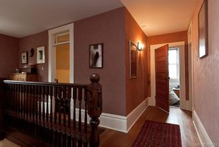 Photo 11: 2254 Belmont Ave in : Vi Fernwood House for sale (Victoria)  : MLS®# 560174