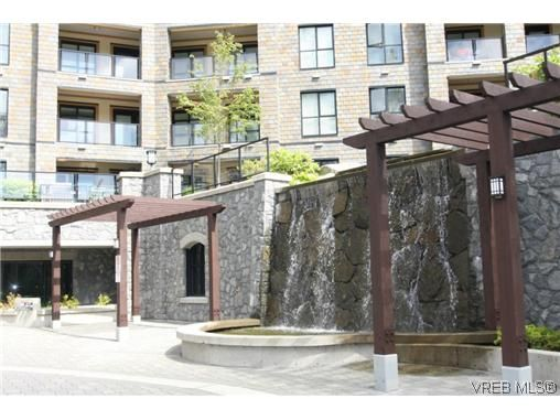 Main Photo: 424 1400 Lynburne Place in VICTORIA: La Bear Mountain Residential for sale (Langford)  : MLS®# 311562
