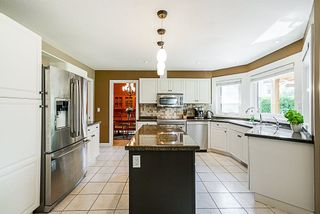 """Photo 5: 8034 150 Street in Surrey: Bear Creek Green Timbers House for sale in """"Mourningside Estates"""" : MLS®# R2293254"""