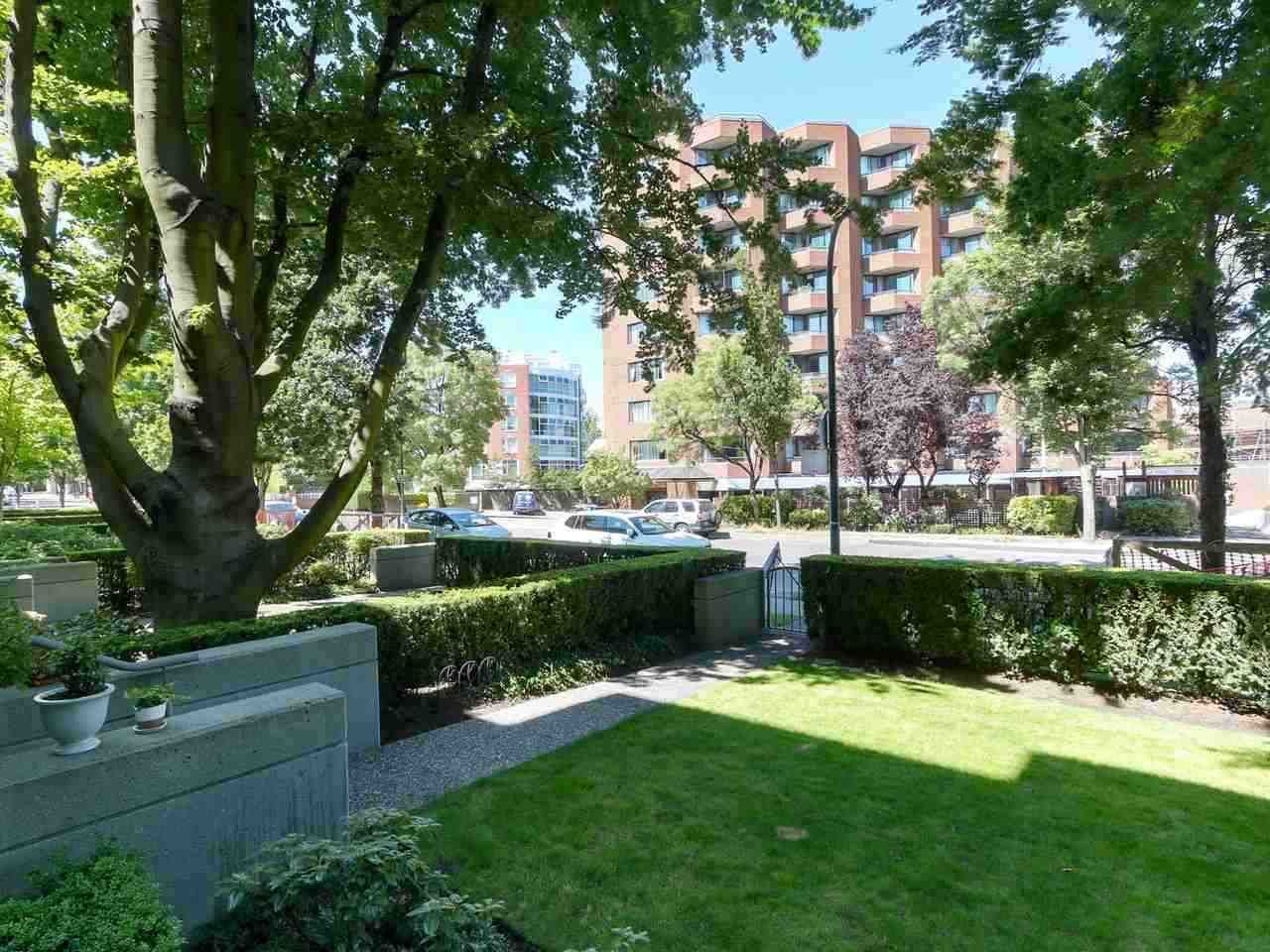 """Main Photo: 203 618 W 45TH Avenue in Vancouver: Oakridge VW Townhouse for sale in """"THE CONSERVATORY"""" (Vancouver West)  : MLS®# R2537685"""