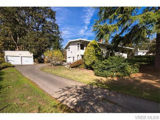 Photo 2: 4590 Scarborough Rd in VICTORIA: SW Beaver Lake House for sale (Saanich West)  : MLS®# 744352