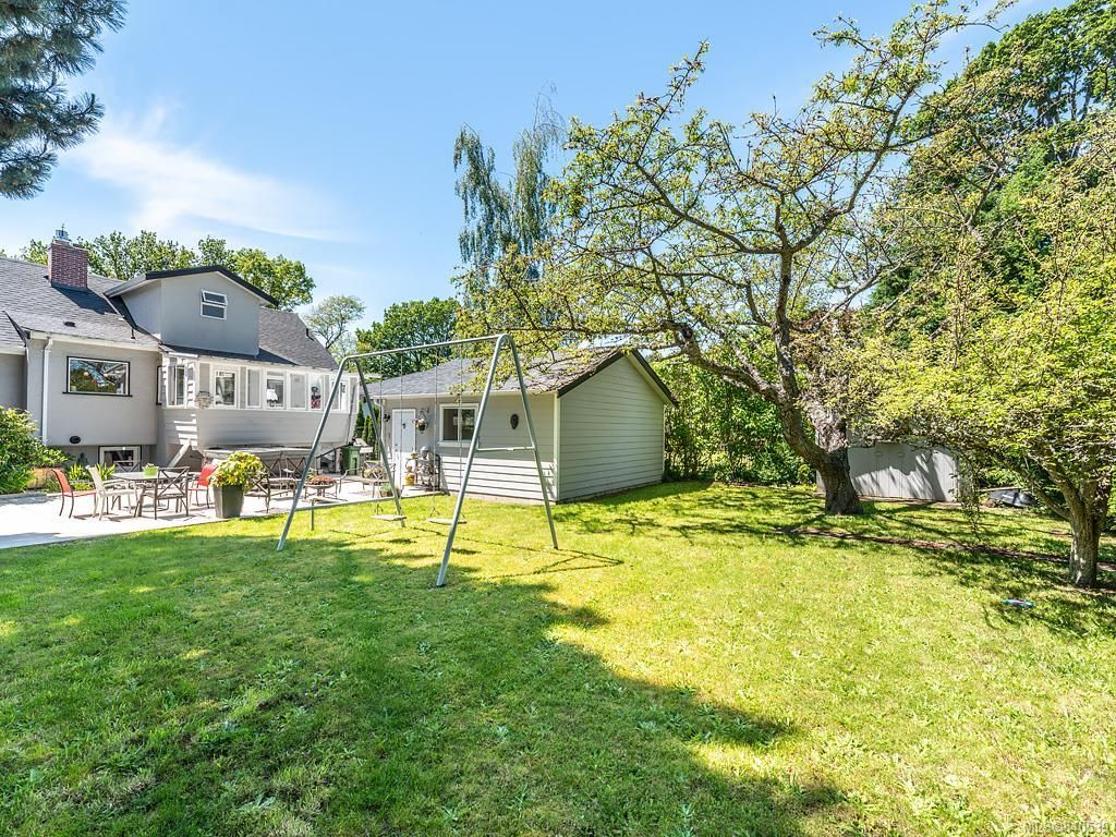Photo 29: Photos: 2232 Cranmore Rd in Oak Bay: OB North Oak Bay House for sale : MLS®# 840539