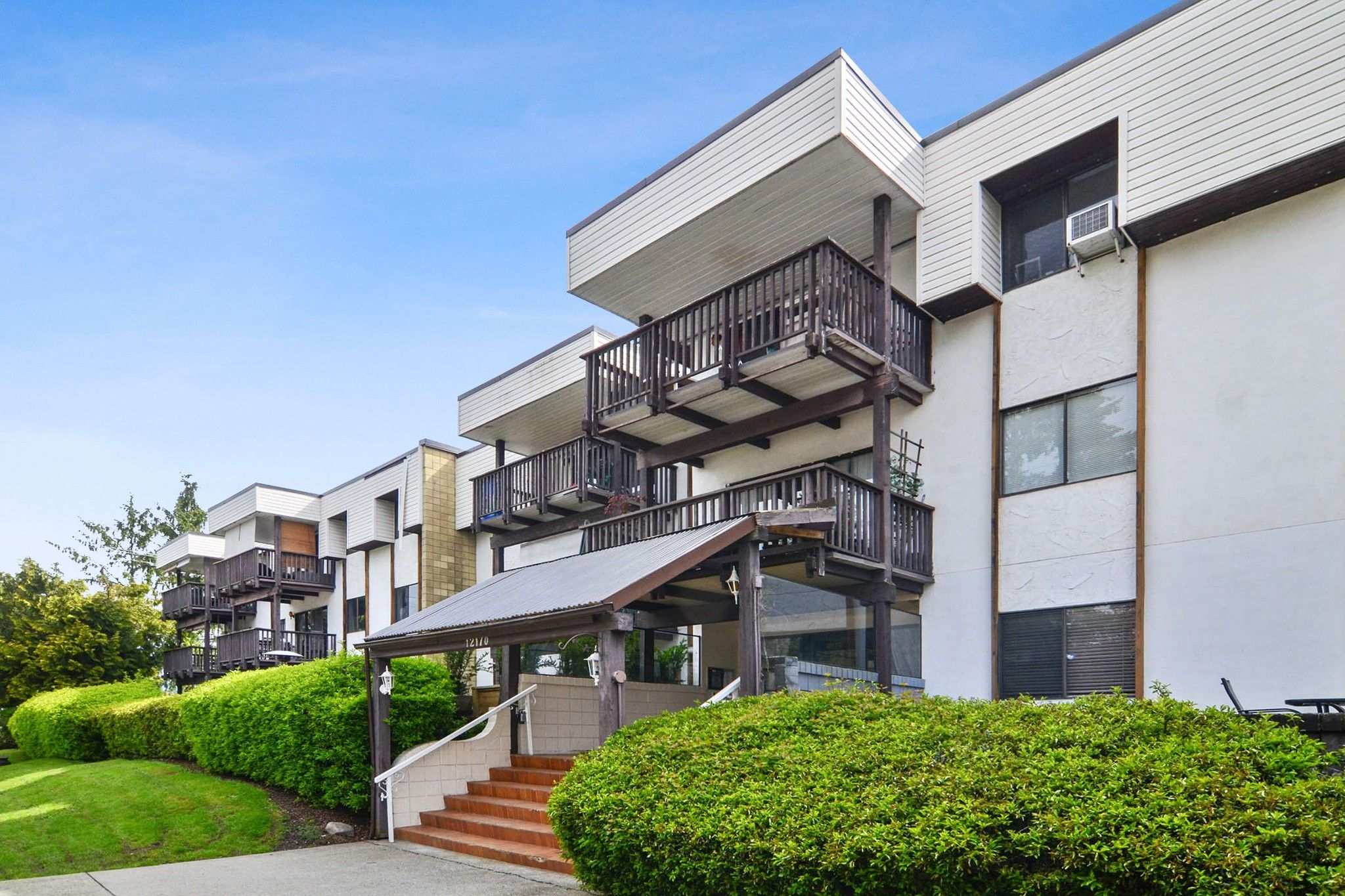 """Main Photo: 108 12170 222 Street in Maple Ridge: West Central Condo for sale in """"Wildwood Terrace"""" : MLS®# R2537908"""