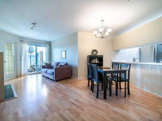 "Photo 2: E402 515 E 15TH Avenue in Vancouver: Mount Pleasant VE Condo for sale in ""HARVARD PLACE"" (Vancouver East)  : MLS®# R2529360"