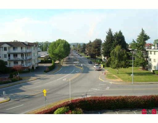 Photo 9: Photos: 315 20600 53A Avenue in Langley: Langley City Condo for sale : MLS®# F2913731