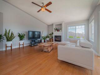 Photo 4: 6334 SAMRON Road in Sechelt: Sechelt District House for sale (Sunshine Coast)  : MLS®# R2589104