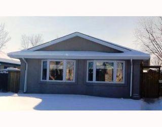 Photo 1: 130 SAGE WOOD Avenue in WINNIPEG: North Kildonan Residential for sale (North East Winnipeg)  : MLS®# 2901897