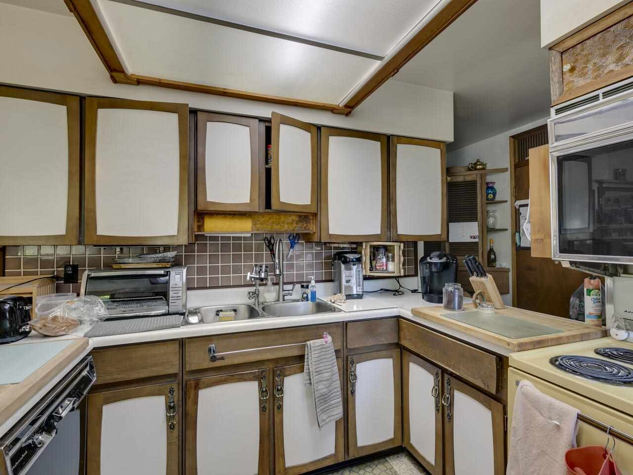"""Photo 22: Photos: 2796 E 4TH Avenue in Vancouver: Renfrew VE House for sale in """"Renfrew Heights"""" (Vancouver East)  : MLS®# R2496647"""