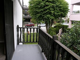 """Photo 9: 210 145 W 18TH Street in North Vancouver: Central Lonsdale Condo for sale in """"TUDOR COURT APARTMENTS"""" : MLS®# V840782"""