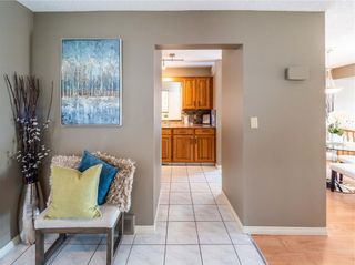 Photo 3: 2029 3 Avenue NW in Calgary: West Hillhurst Detached for sale : MLS®# C4291113