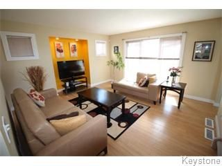 Photo 2: 664 Paddington Road in Winnipeg: South St Vital Single Family Detached for sale (South Winnipeg)  : MLS®# 1610755