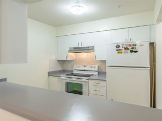 Photo 9: 301 2272 DUNDAS Street in Vancouver: Hastings Condo for sale (Vancouver East)  : MLS®# R2416205
