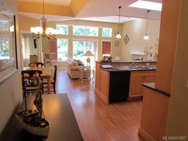 Photo 4: Photos: 5285 Nelsonwoods Pl in NANAIMO: Na North Nanaimo Row/Townhouse for sale (Nanaimo)  : MLS®# 661987