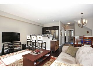 """Photo 4: 2 15454 32ND Avenue in Surrey: Grandview Surrey Townhouse for sale in """"Nuvo"""" (South Surrey White Rock)  : MLS®# F1324116"""