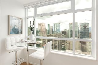 """Photo 5: 2802 438 SEYMOUR Street in Vancouver: Downtown VW Condo for sale in """"The Residences at Conference Plaza"""" (Vancouver West)  : MLS®# R2592278"""