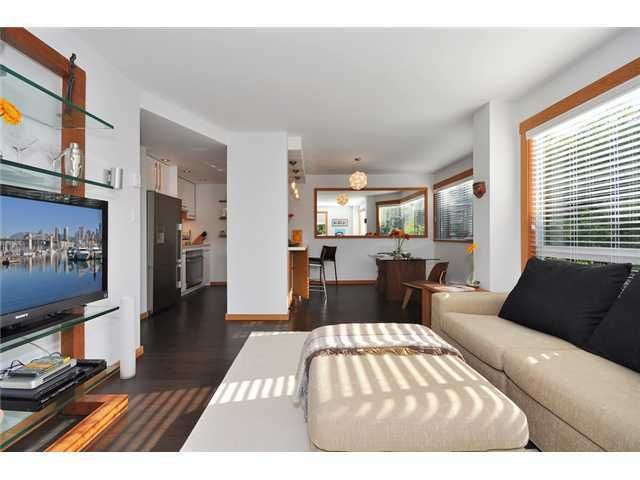 """Main Photo: # 301 1510 W 1ST AV in Vancouver: False Creek Condo for sale in """"MARINER POINT"""" (Vancouver West)  : MLS®# V1026400"""