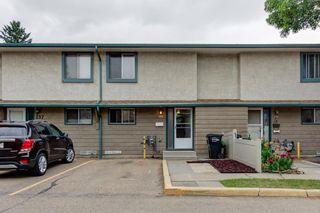 Main Photo: 236 ABBOTTSFIELD Road in Edmonton: Zone 23 Townhouse for sale : MLS®# E4255529