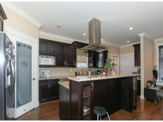 Photo 7: 19917 72 Ave in Langley: Home for sale : MLS®# F1422564