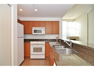 """Photo 1: 1406 189 NATIONAL Avenue in Vancouver: Mount Pleasant VE Condo for sale in """"THE SUSSEX"""" (Vancouver East)  : MLS®# V1132745"""