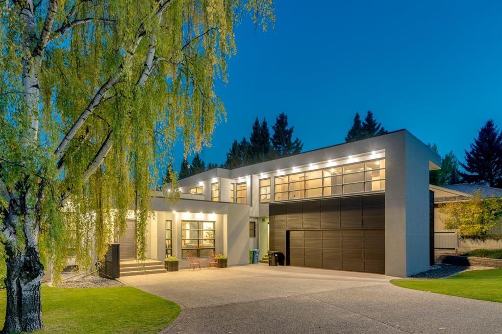 Main Photo: 215 Eagle Ridge Drive SW in Calgary: Eagle Ridge Detached for sale : MLS®# A1100294