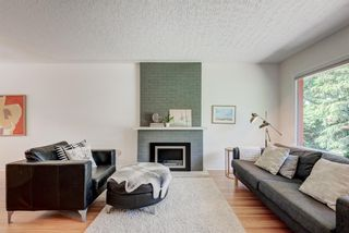 Photo 3: 5404 Thornton Road NW in Calgary: Thorncliffe Detached for sale : MLS®# A1120570