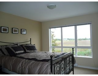Photo 6: 225 13020 NO 2 Road in Richmond: Steveston South Townhouse for sale : MLS®# V748437
