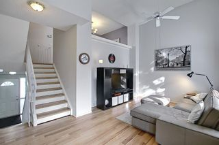 Photo 6: 96 Glenbrook Villas SW in Calgary: Glenbrook Row/Townhouse for sale : MLS®# A1072374