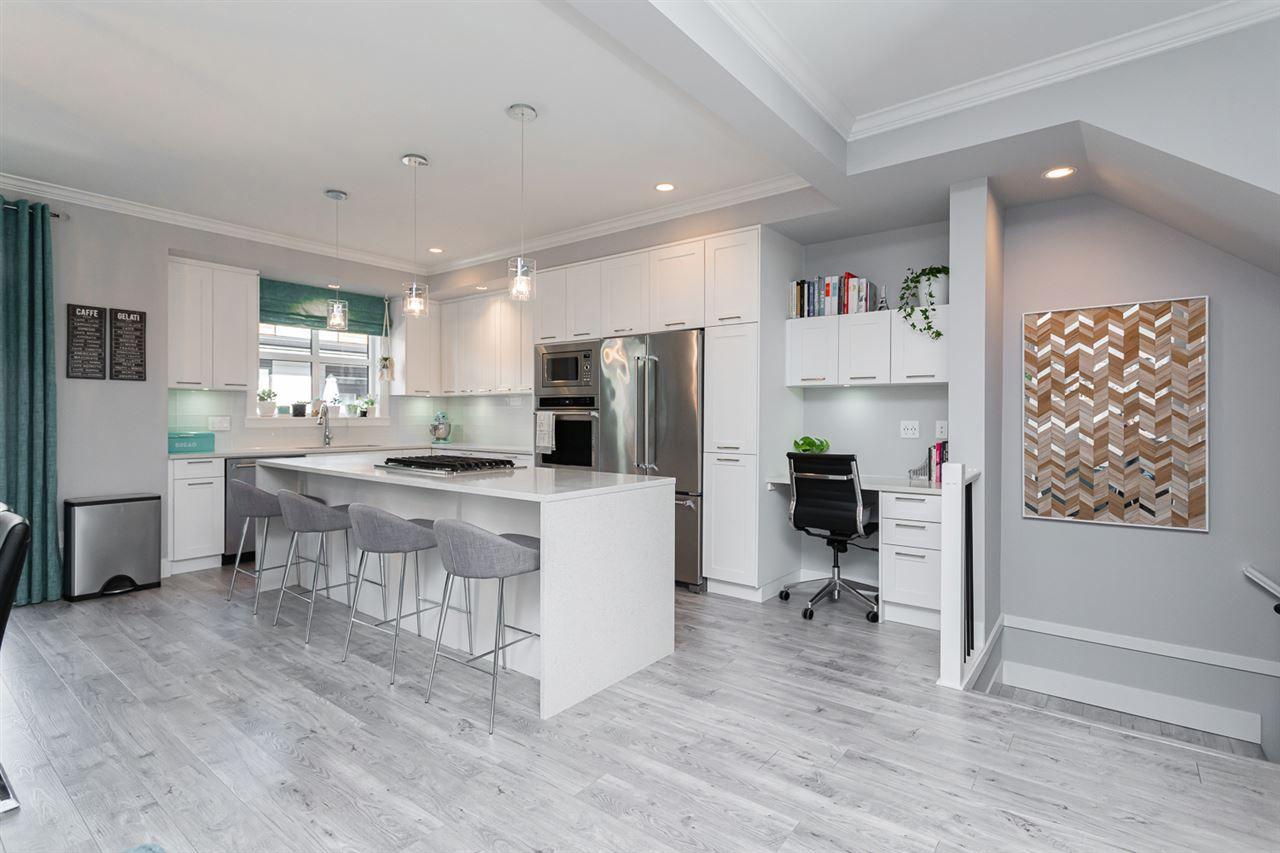 """Main Photo: 204 16488 64 Avenue in Surrey: Cloverdale BC Townhouse for sale in """"Harvest at Bose Farm"""" (Cloverdale)  : MLS®# R2446564"""
