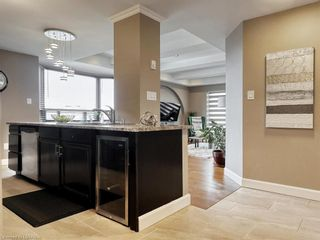 Photo 3: 705 75 HUXLEY Street in London: South E Residential for sale (South)  : MLS®# 40153300