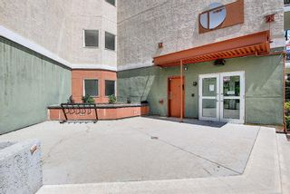 Photo 3: 202 69 Springborough Court SW in Calgary: Springbank Hill Apartment for sale : MLS®# A1123193