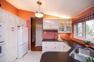 Photo 8: 52 Henday Bay in Winnipeg: Residential for sale (5G)  : MLS®# 202008323