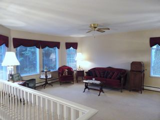 Photo 4: 9168 160A STREET in MAPLE GLEN: House for sale