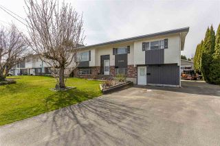 Photo 2: 10027 FAIRBANKS Crescent: House for sale in Chilliwack: MLS®# R2560743