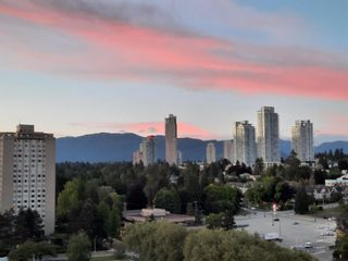 """Photo 2: 1701 3737 BARTLETT Court in Burnaby: Sullivan Heights Condo for sale in """"Timberlea- Tower A """"The Maple"""""""" (Burnaby North)  : MLS®# R2597134"""