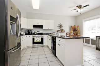 """Photo 7: 46426 CHESTER Drive in Chilliwack: Sardis East Vedder Rd House for sale in """"AVONLEA"""" (Sardis)  : MLS®# R2577709"""