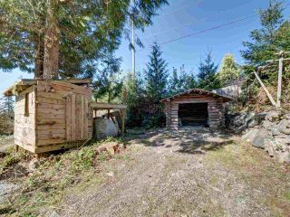 "Photo 35: 5918 SUNSHINE COAST Highway in Sechelt: Sechelt District House for sale in ""DOWNTOWN SECHELT"" (Sunshine Coast)  : MLS®# R2585676"