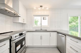 Photo 7: 2408 Amherst Ave in : Si Sidney North-East House for sale (Sidney)  : MLS®# 882907