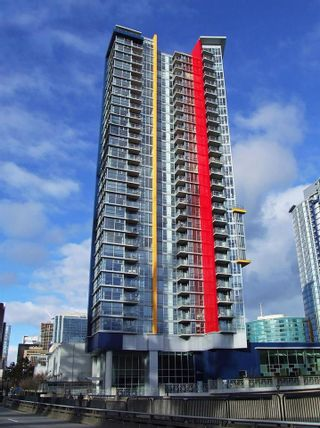 """Photo 1: 2203 111 W GEORGIA Street in Vancouver: Downtown VW Condo for sale in """"SPECTRUM ONE"""" (Vancouver West)  : MLS®# R2591471"""
