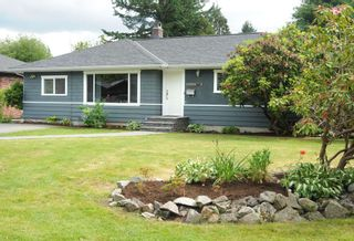 Photo 1: 1519 E 27TH Street in North Vancouver: Westlynn House for sale : MLS®# R2176907