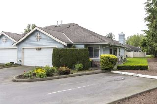 """Photo 1: 75 5550 LANGLEY Bypass in Langley: Salmon River Townhouse for sale in """"Riverwynde"""" : MLS®# R2164746"""