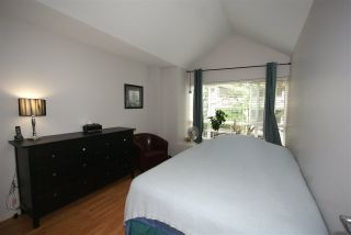 """Photo 7: 7430 MAGNOLIA Terrace in Burnaby: Highgate Townhouse for sale in """"CAMARILLO"""" (Burnaby South)  : MLS®# R2080942"""
