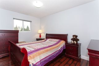 """Photo 11: 5811 ANGUS Place in Surrey: Cloverdale BC House for sale in """"Jersey Hills"""" (Cloverdale)  : MLS®# R2326051"""