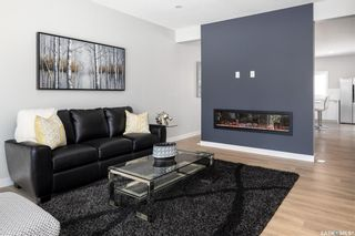 Photo 3: 802B 6th Avenue North in Saskatoon: City Park Residential for sale : MLS®# SK841864
