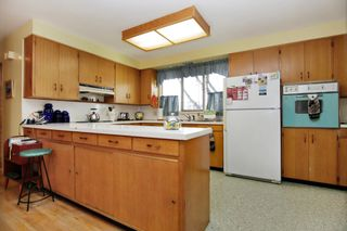 Photo 5: 2360 CRESCENT Way in Abbotsford: Central Abbotsford House for sale : MLS®# R2242278