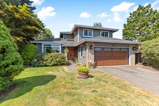 """Photo 3: 7583 150A Street in Surrey: East Newton House for sale in """"CHIMNEY HILLS"""" : MLS®# R2607015"""