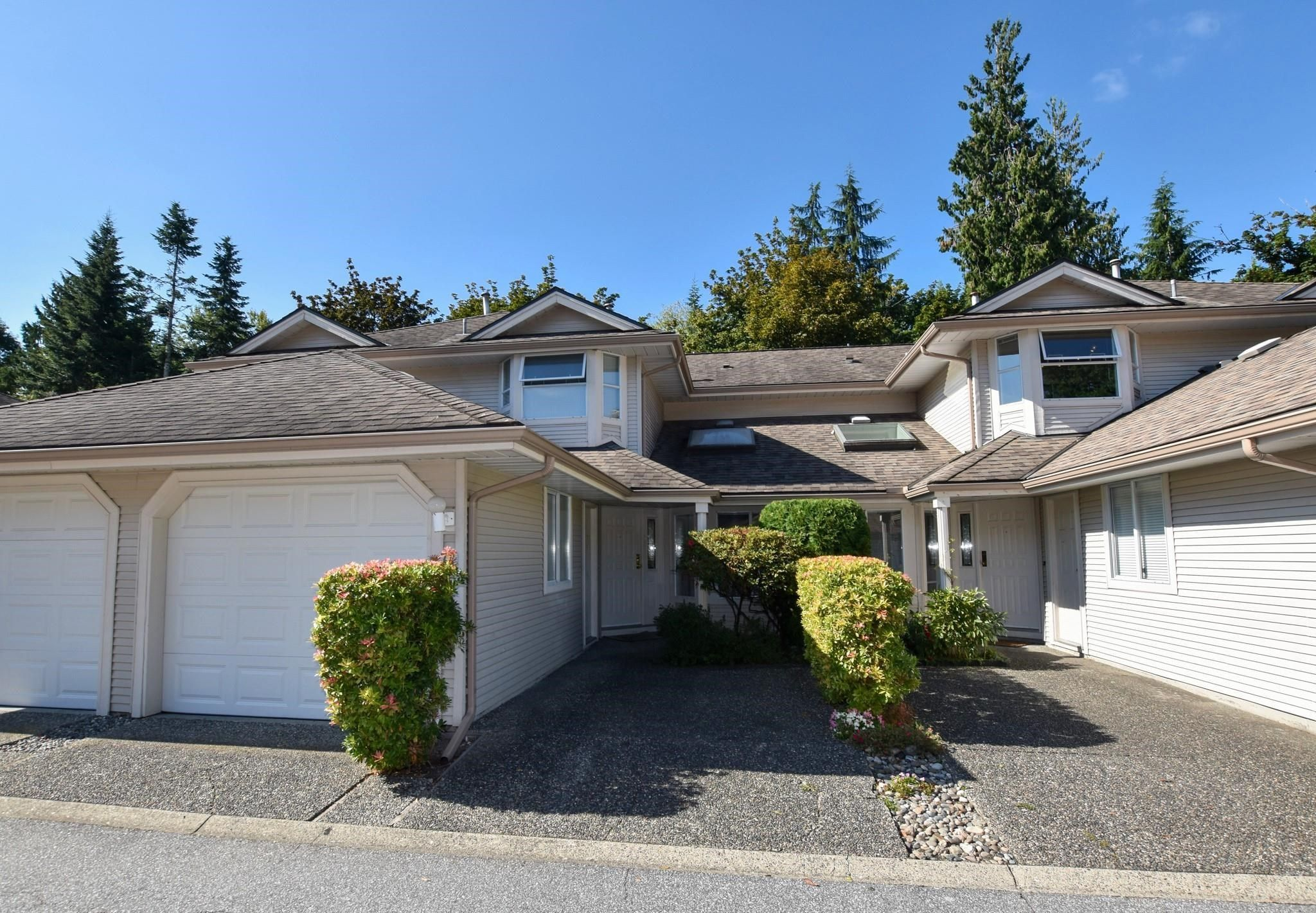 """Main Photo: 72 9045 WALNUT GROVE Drive in Langley: Walnut Grove Townhouse for sale in """"Bridlewoods"""" : MLS®# R2618207"""