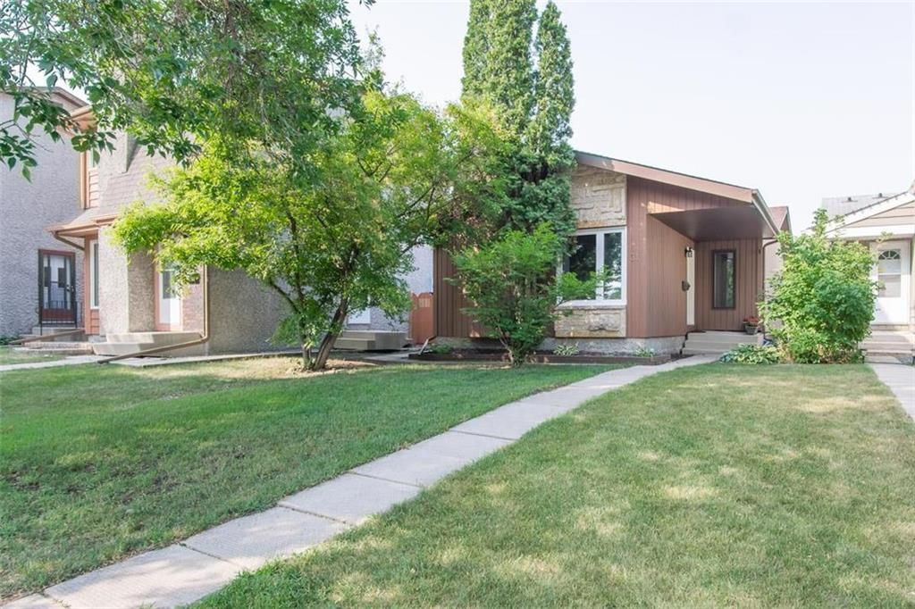 Photo 1: Photos: 31 Lamirande Place in Winnipeg: Richmond Lakes Residential for sale (1Q)  : MLS®# 202119515