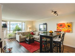 """Photo 2: 502 15111 RUSSELL Avenue: White Rock Condo for sale in """"Pacific Terrace"""" (South Surrey White Rock)  : MLS®# R2597995"""