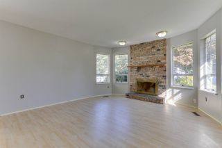 Photo 5: 15474 92A Avenue in Surrey: Fleetwood Tynehead House for sale : MLS®# R2490955